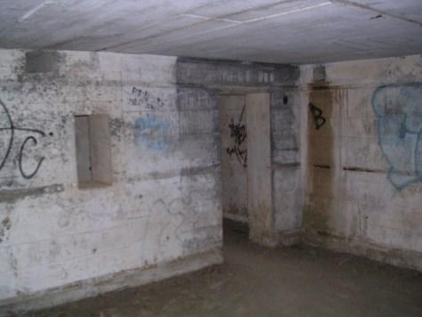 Interior de un búnker de la segunda guerra mundial