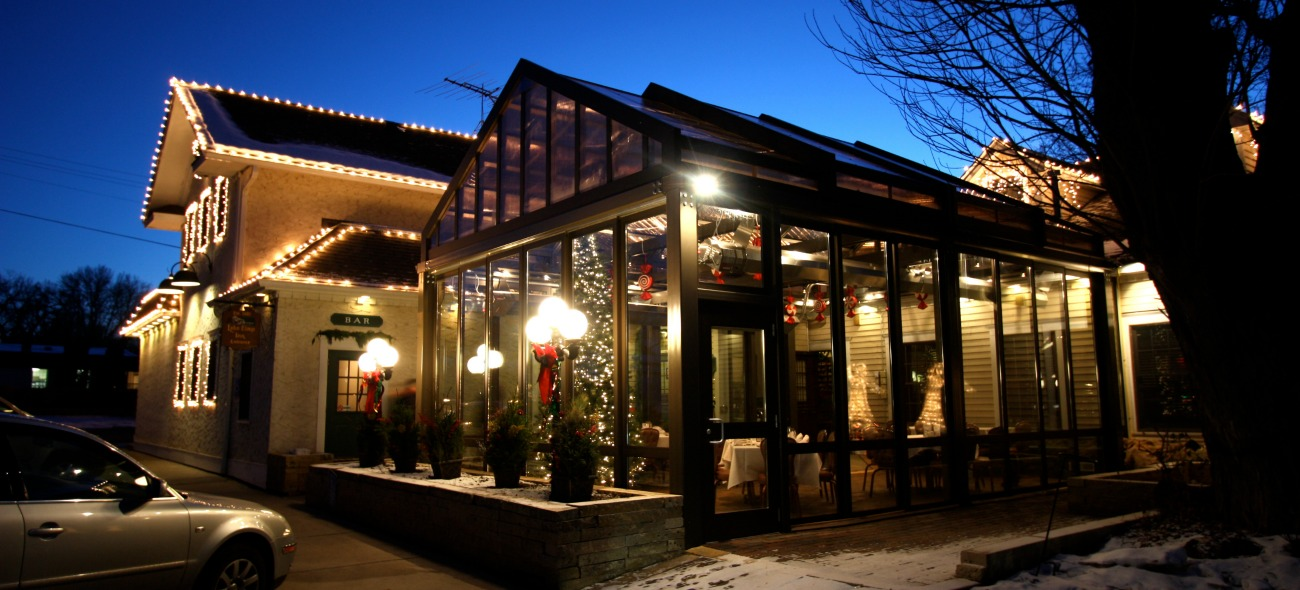 retractable patio structure with opening walls and opening roof for all year round space for a restaurant