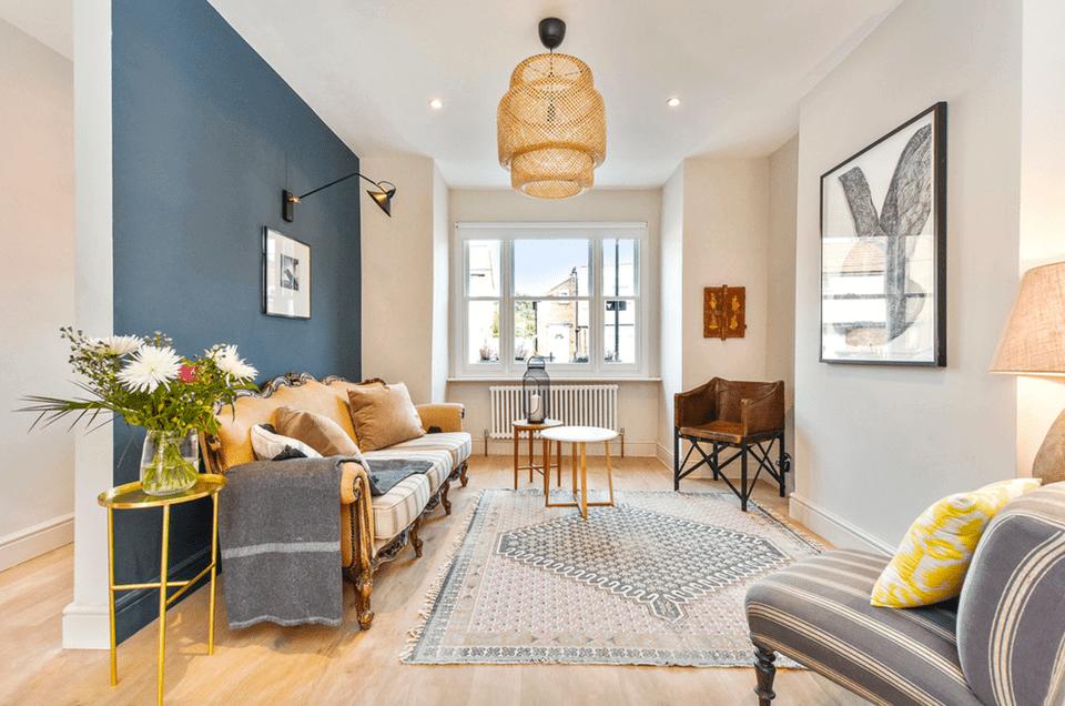 13.-Minimalist-Living-Room-Accent-Wall-Ideas
