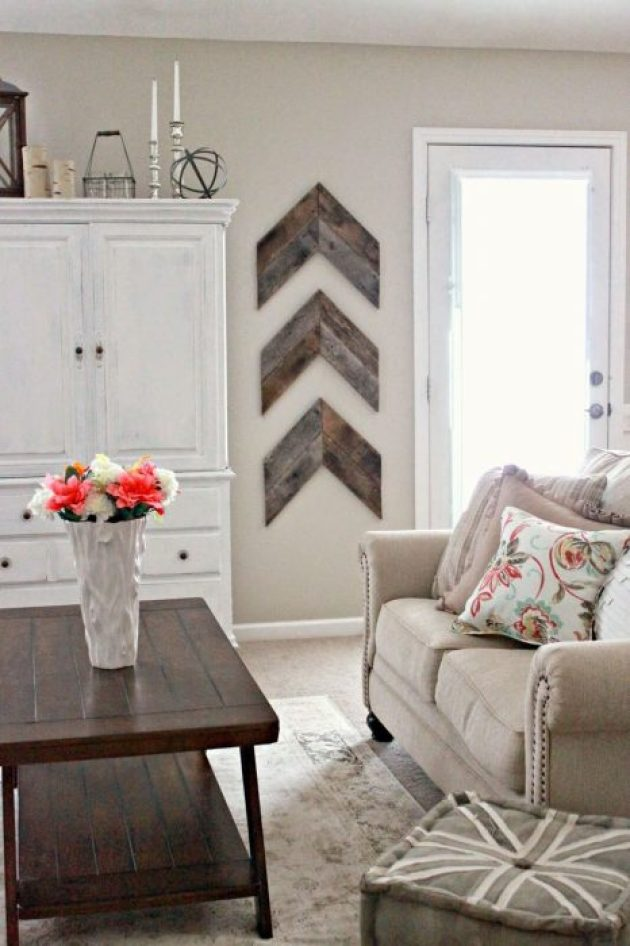Rustic Wall Decor Ideas - Chic and Simple Reclaimed Wood Wall Chevrons - Cabritonyc.com