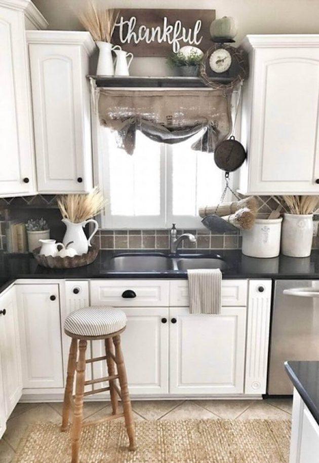 Farmhouse Kitchen Decor Design Ideas - Bouquets of Grain and Woven Accents - Cabritonyc.com