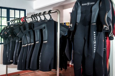 Aqualung wetsuits