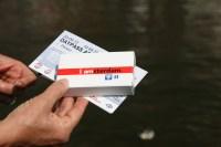 O melhor remédio para fazer turismo é ter um bom mapa da cidade ;) Mapa de Amsterdam + Canal Bus ticket = diversão na certa!