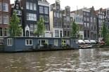 As casas/barco e ao fundo um pouco da arquitetura tão característica!