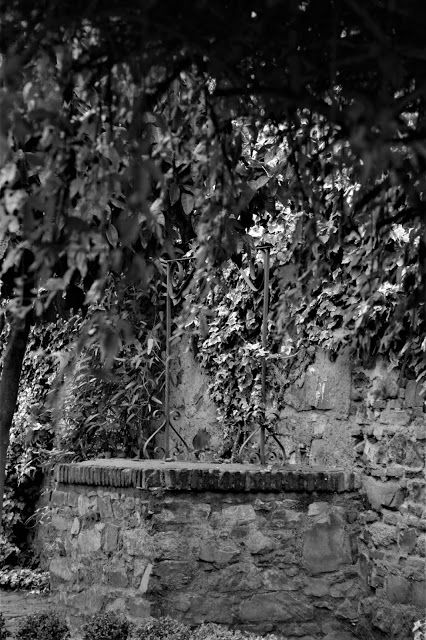 Cáceres pozo del jardín de Cristina de Ulloa