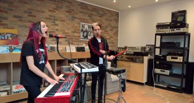 Bande annonce A-Vox en session musicale ! ça c'est culte