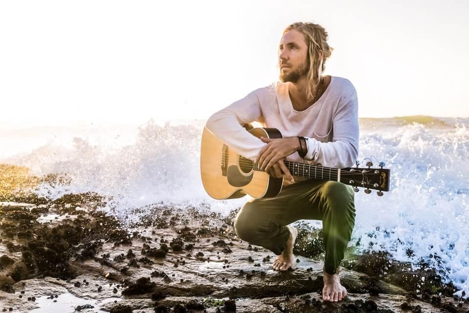 Jeremy Loops en concert à La Madeleine à Bruxelles le 12 avril 2018 (Belgique)