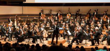 """Orchestre National de Lille la Symphonie n°1 de Gustav Mahler, """"Titan"""" et concert connecté """"Smartphony"""" © Antoine Herman"""