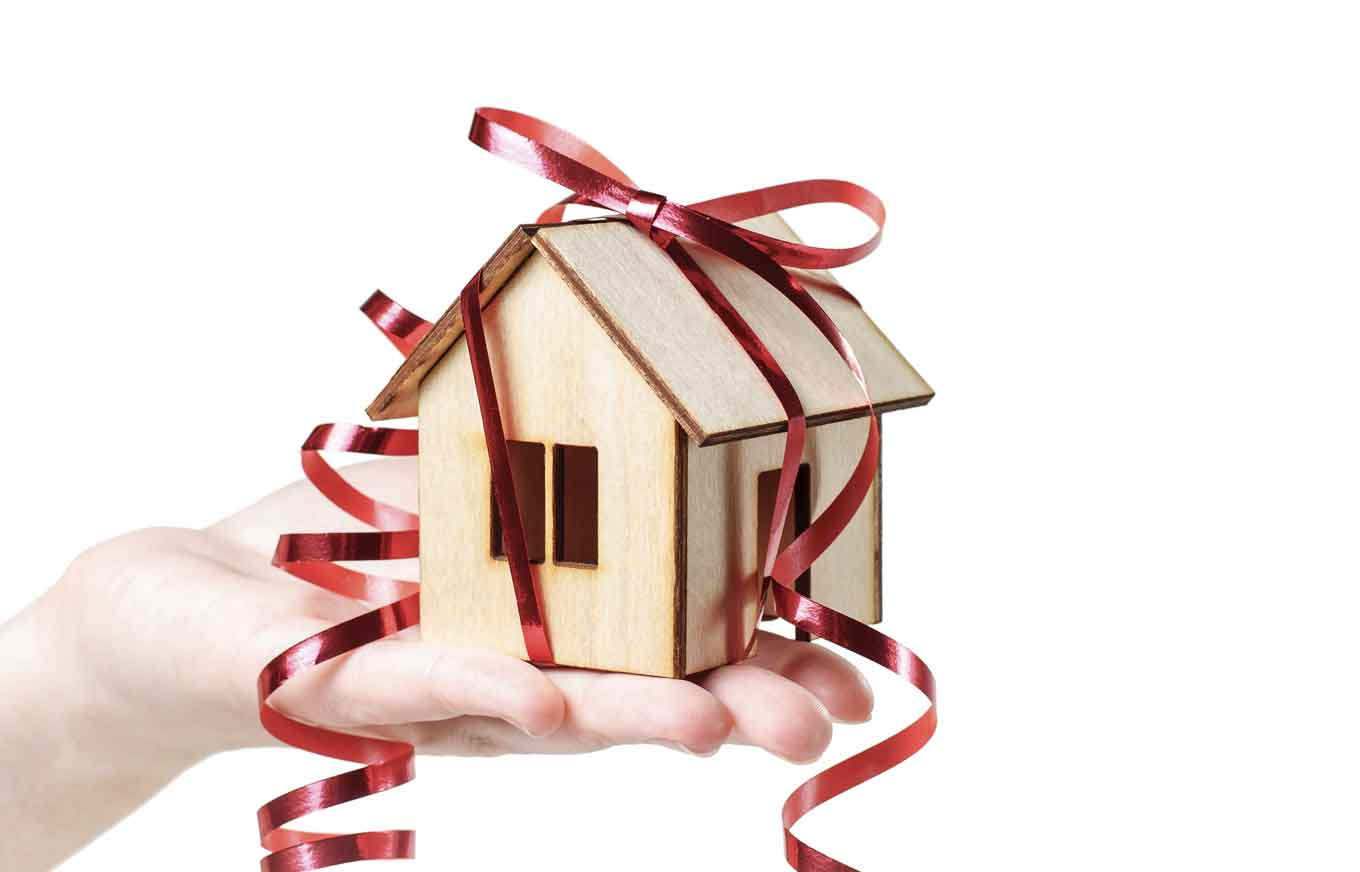 3 Gift Ideas For New Homeowners Credit Com