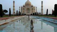 Private 2-Day-Tour to Taj Mahal and Agra from Ahmedabad with Return Flight