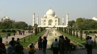 Private Day-Trip to Taj Mahal and Agra from Ahmedabad with Return Flight