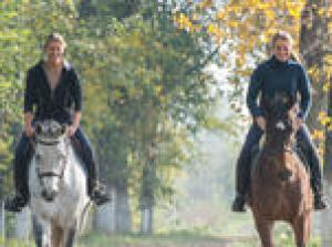 Horseback Riding and Wine Lunch in Tuscany