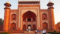 Private Full-Day Trip to the Taj Mahal Fatehpur Sikri and Agra Fort from Jaipur