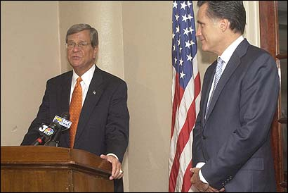 US Senator Trent Lott (left) served as host as Governor Mitt Romney attended a luncheon yesterday in Pascagoula, Miss.