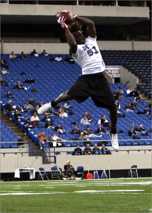 Terrence Wheatley hauls one in at the 2008 NFL Combine.