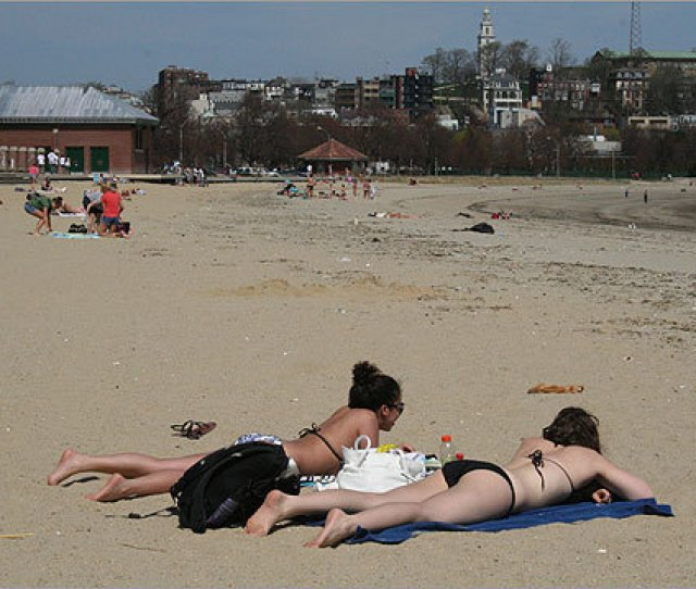 With Temperatures Reaching A Record High Of  Degrees Wednesday People All Over Boston Couldn