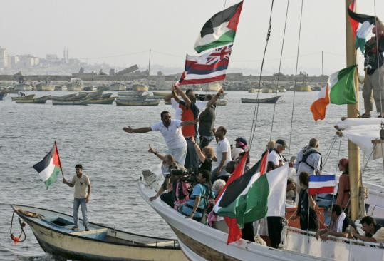 free gaza movement ships break siege arrive in Gaza