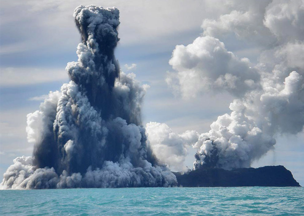 Fourth in a series of undersea volcano eruption photos off the coast of Tonga, taken March 18th by photographer Dana Stephenson. (Dana Stephenson/Getty Images)