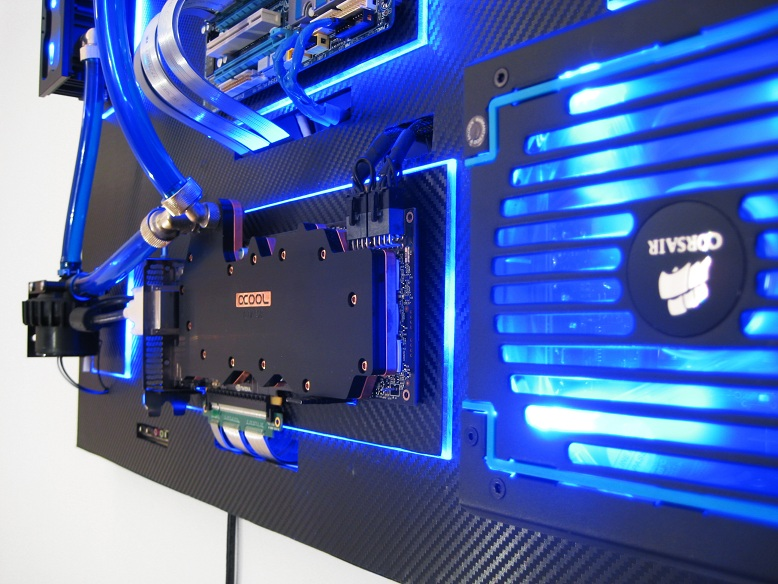 Gallery of an Awesome Wallmounted Custom PC with Beautiful Liquidcooling System