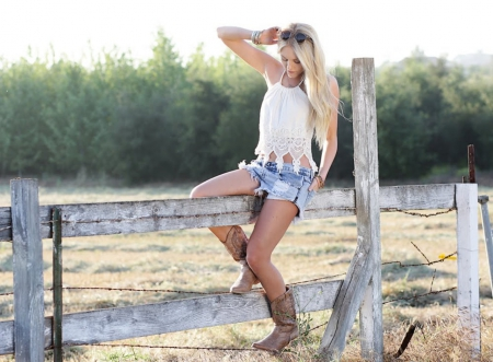 Laughing Girl Wallpapers Free Download Country Girl Models Female Amp People Background