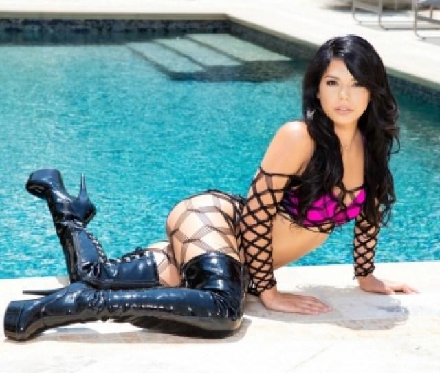 Bikini Model Gina Valentina