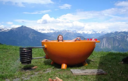 SelfHeating Outdoors Tub For Bathing AuNaturel in Nature