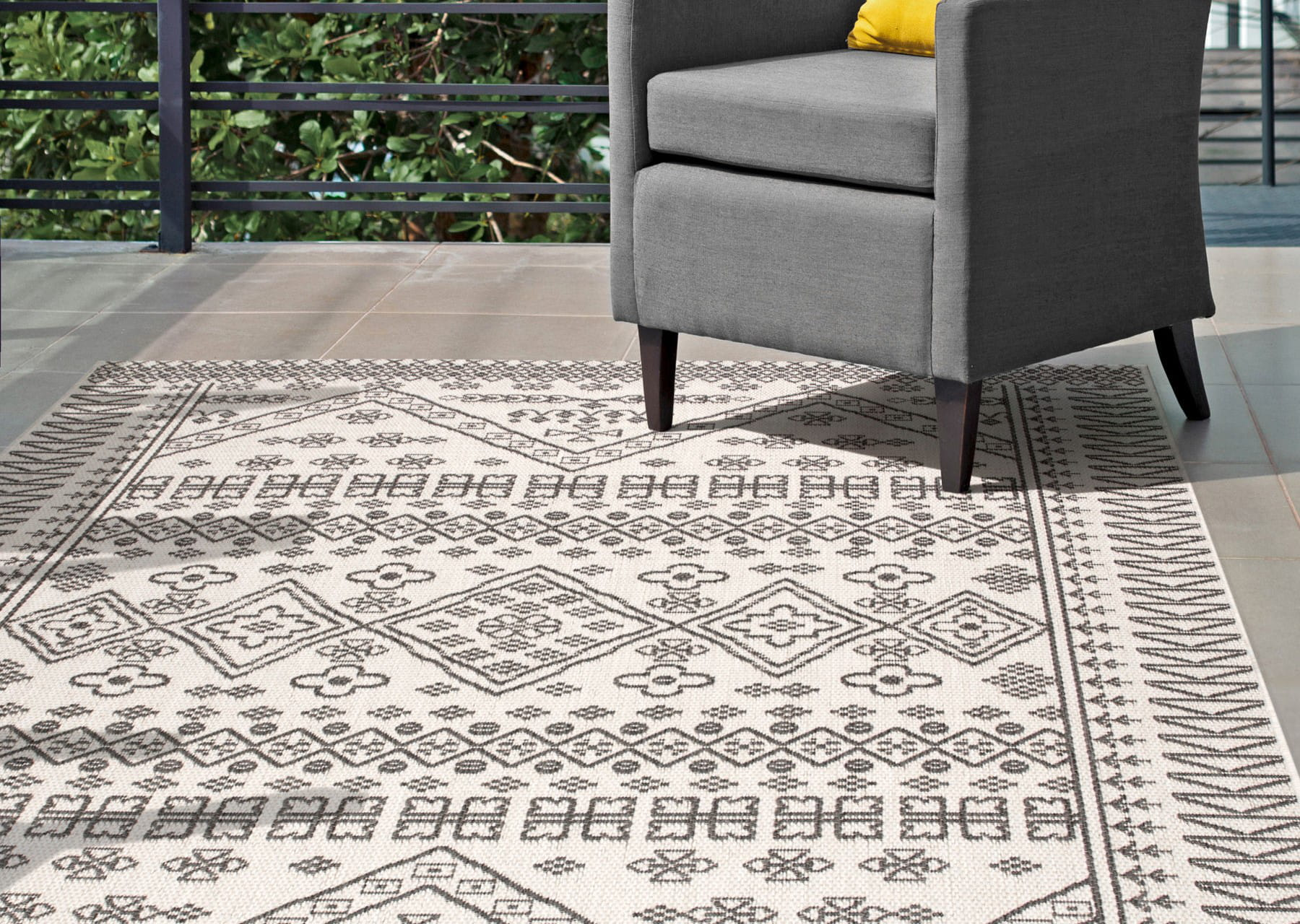 how to place an outdoor rug plushrugs