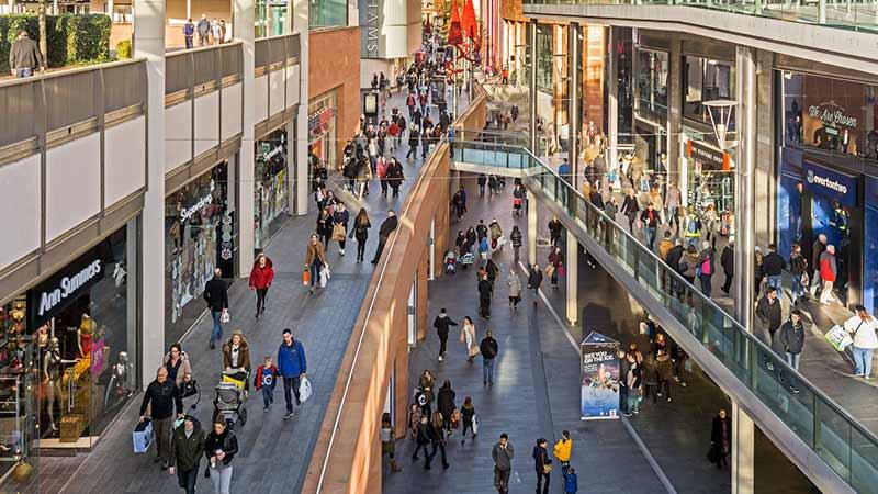 Beauvais  elle accouche en plein shopping   Magicmamancom