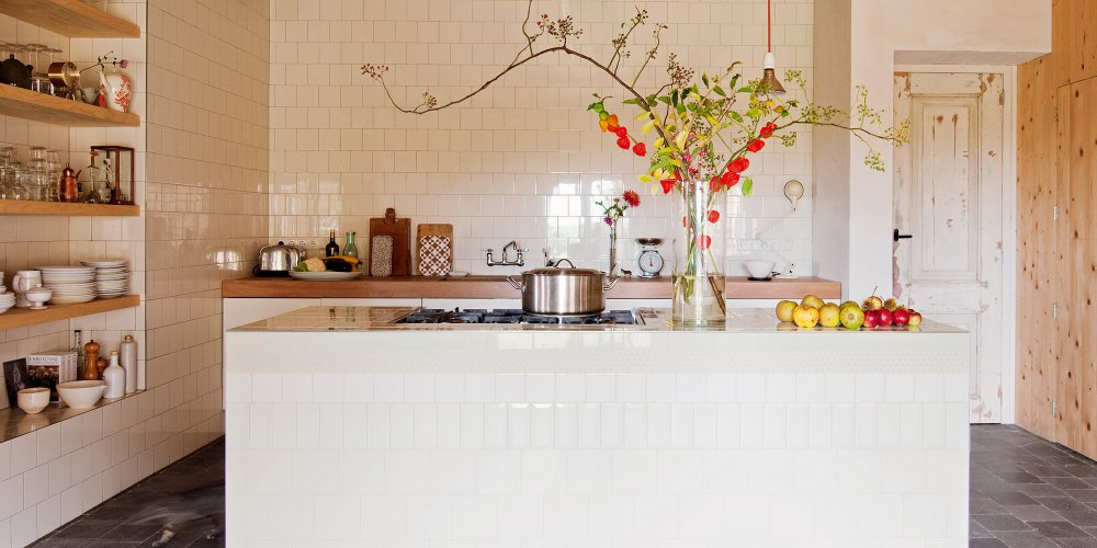 mur carrelage blanc cuisine
