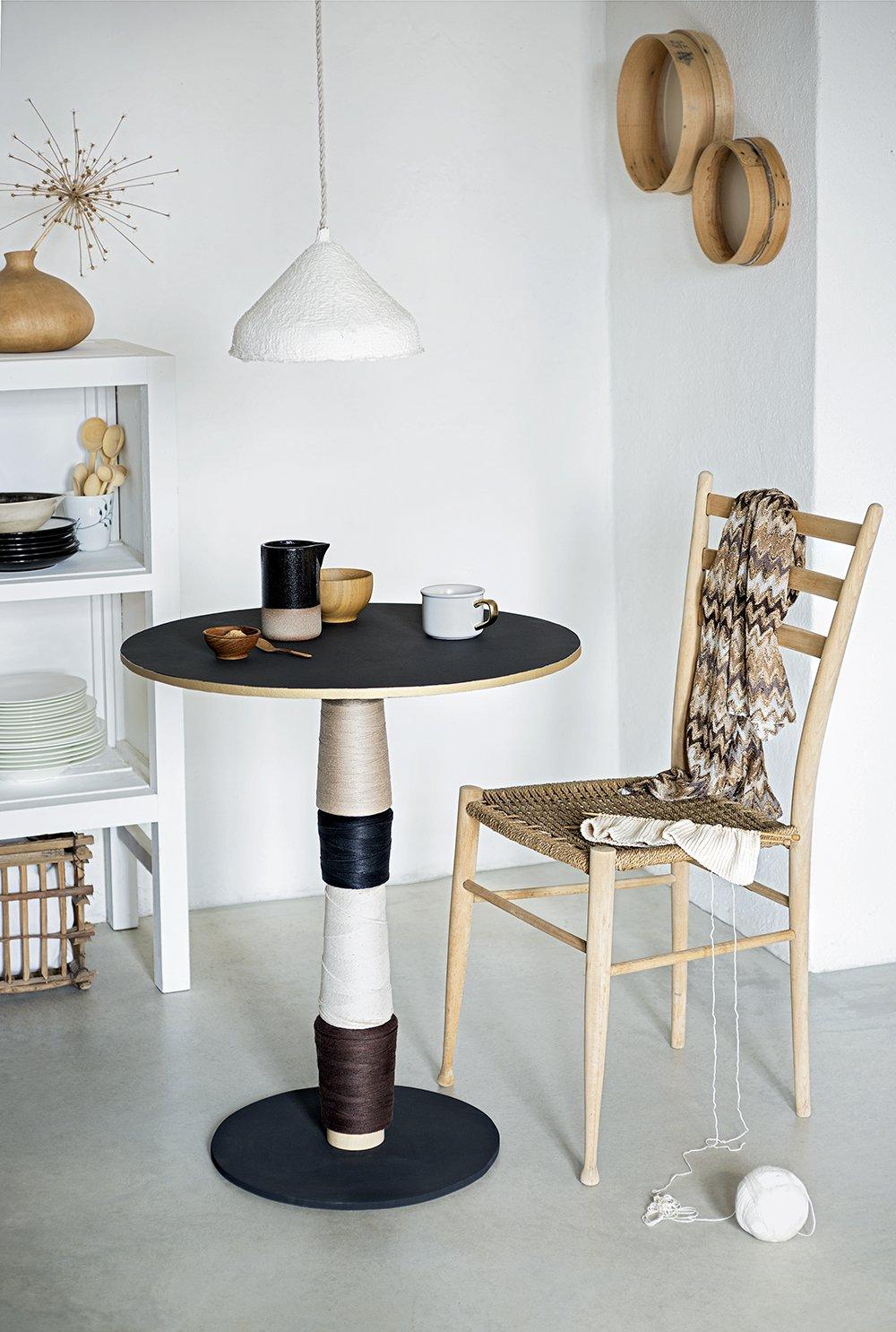 un pied de table customise comme une bobine