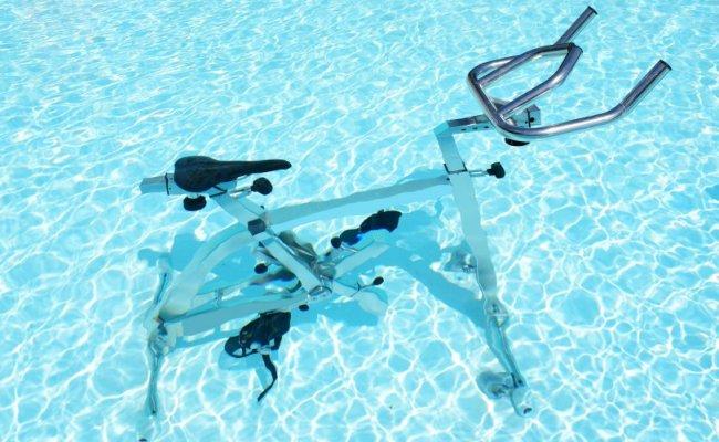 L Aquabiking Dégommer La Cellulite En Pédalant Dans L