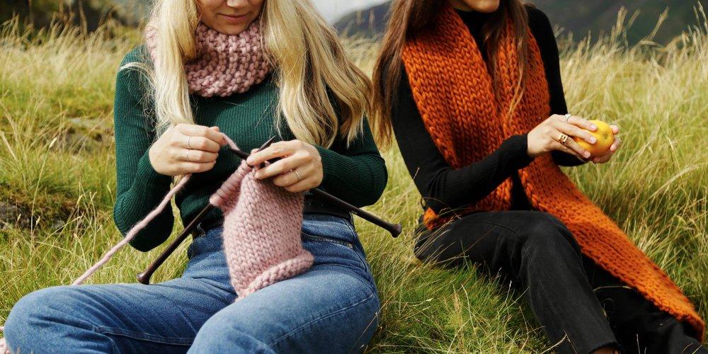 envie de tricoter une echarpe mais vous n etes pas inspiree on vous propose une selection de modeles pour vous aider dans sa realisation