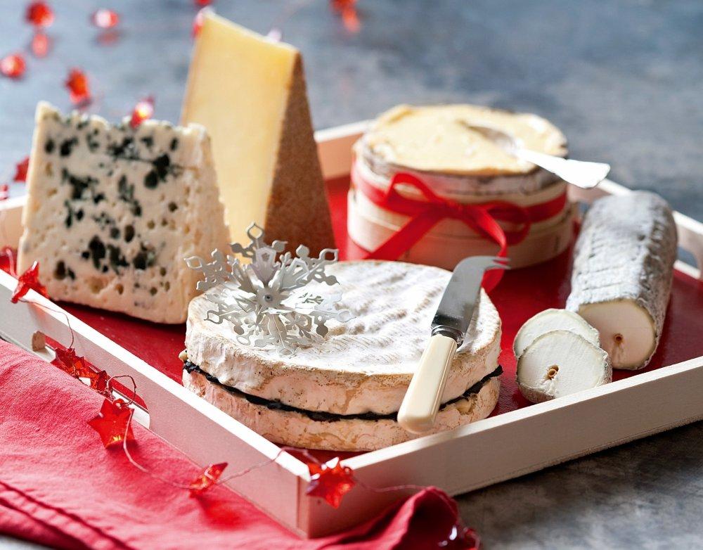 un plateau de fromage