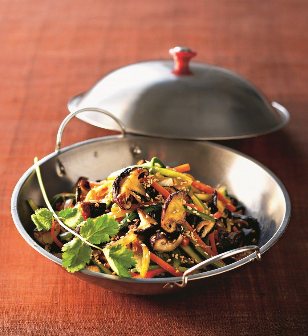 wok de legumes aux champignons shiitake
