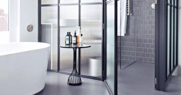 10 Salles De Bains Qui Ont Fait Le Choix Du Noir Et Blanc Marie Claire