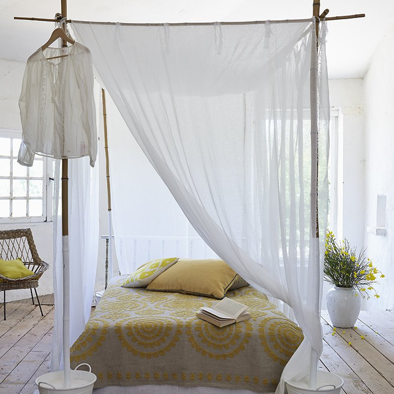 Un lit  baldaquin en bambou  Marie Claire