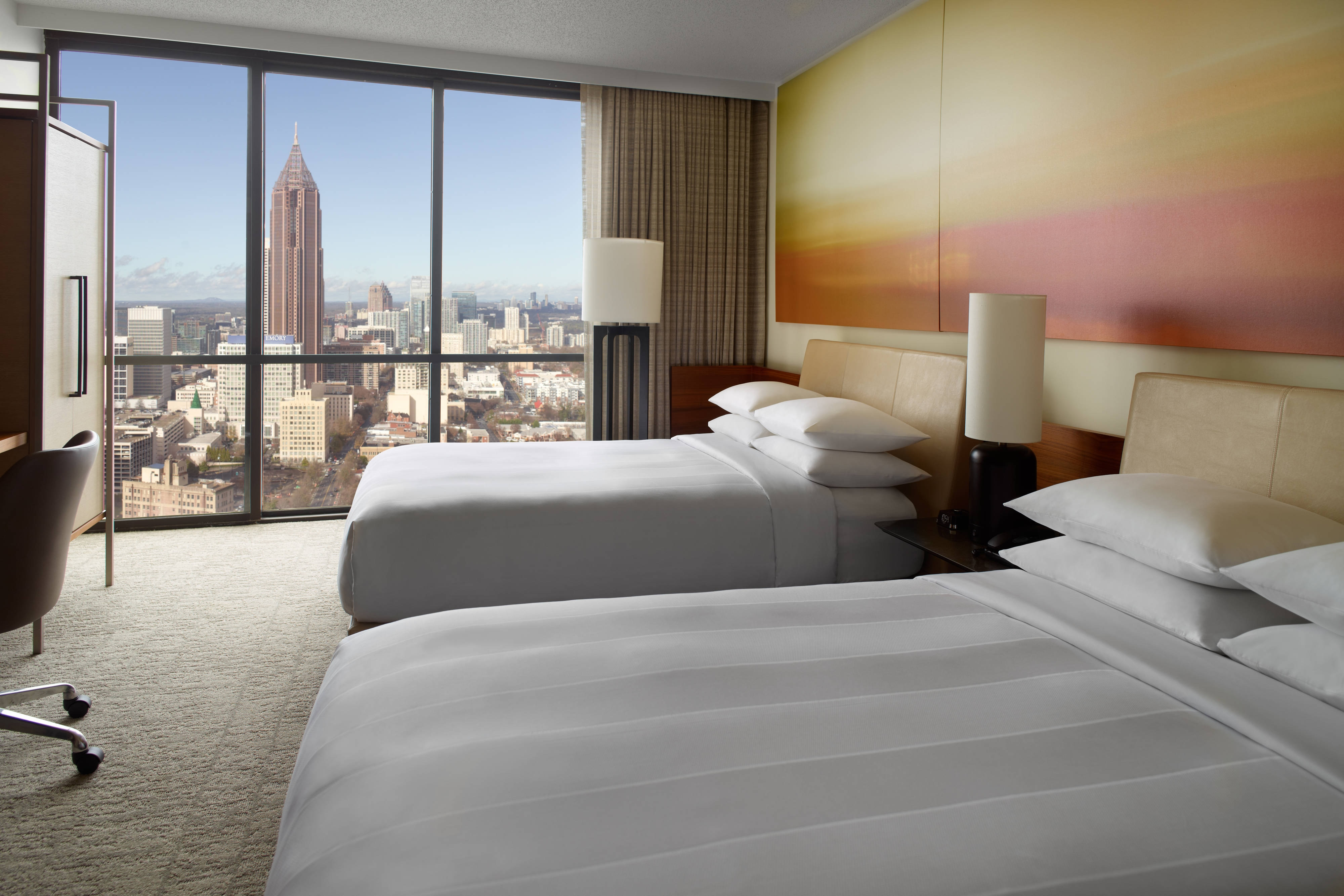 lounge suite sofa bed cushion refilling manchester hotel suites in atlanta   marriott marquis