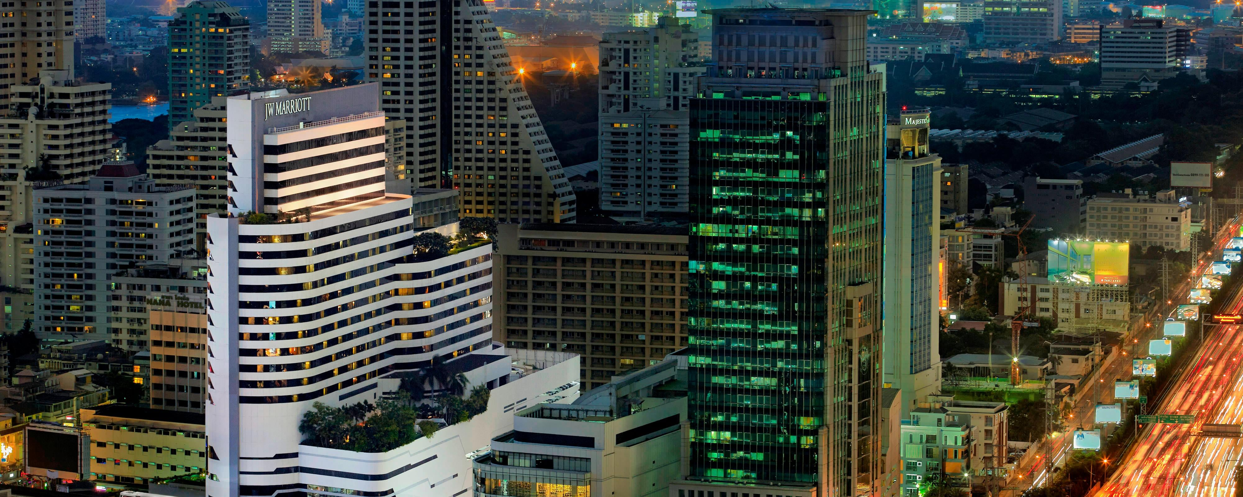 Luxury Hotel on Sukhumvit Road in Downtown Bangkok   JW Marriott Hotel Bangkok