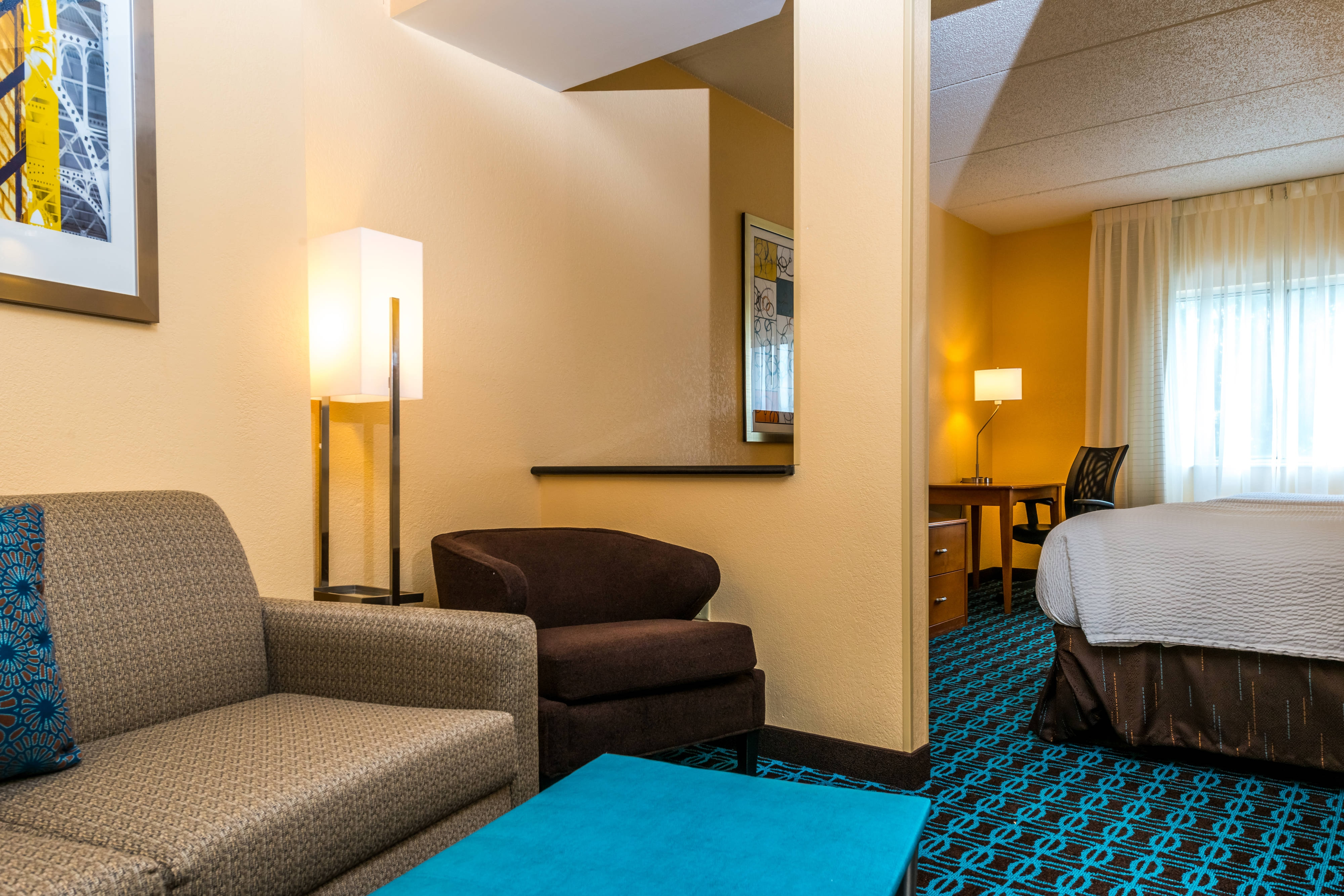 child pull out sofa waterfall charles of london nashville tn hotels | rooms & suites fairfield inn