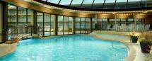 Chicago Hotel With Outdoor Pool - Indoor Gym