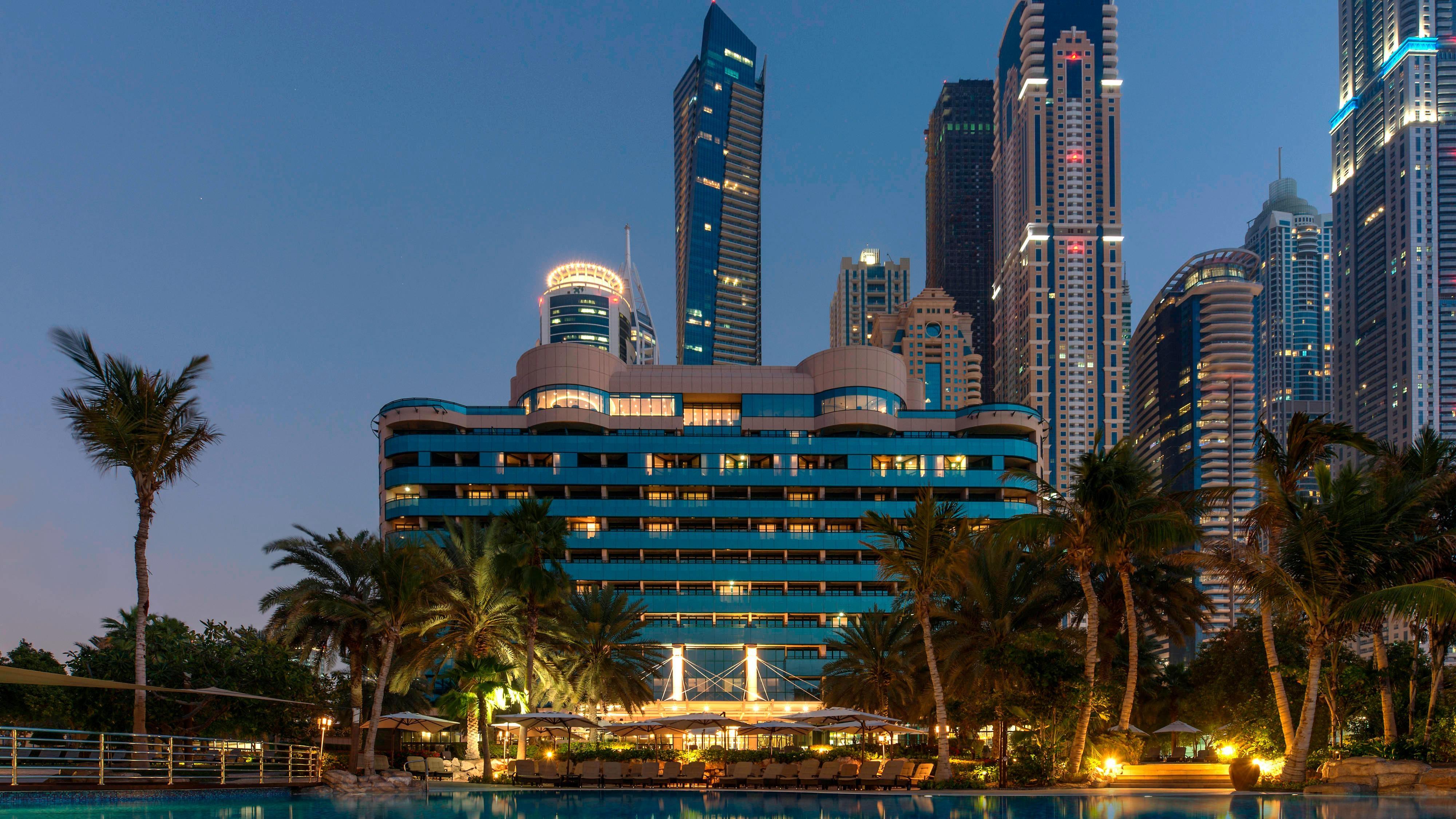 Modern Hotel In Dubai Le Ridien Mina Seyahi Beach