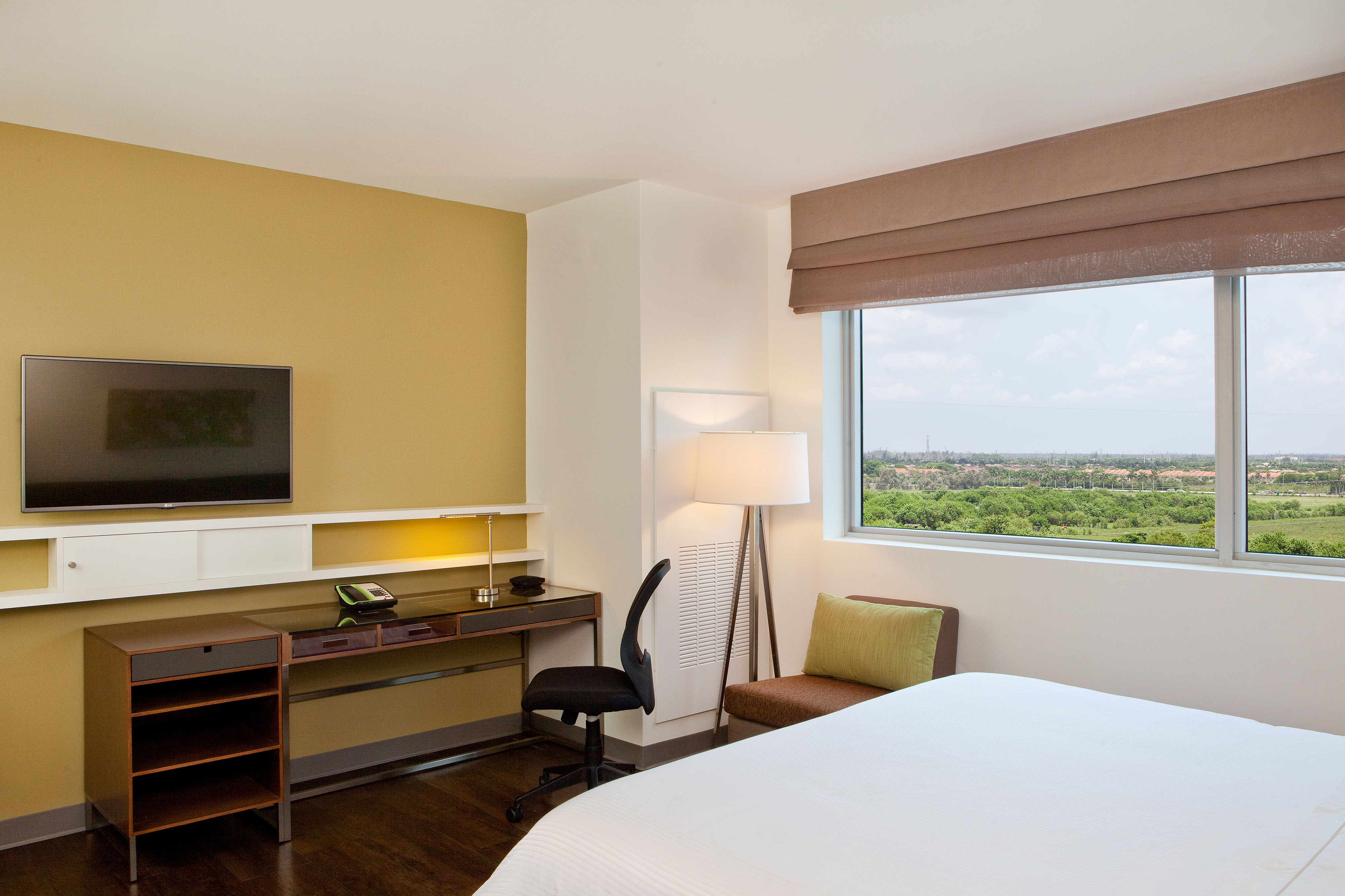 Element Miami Doral Hotel Amenities Room Highlights