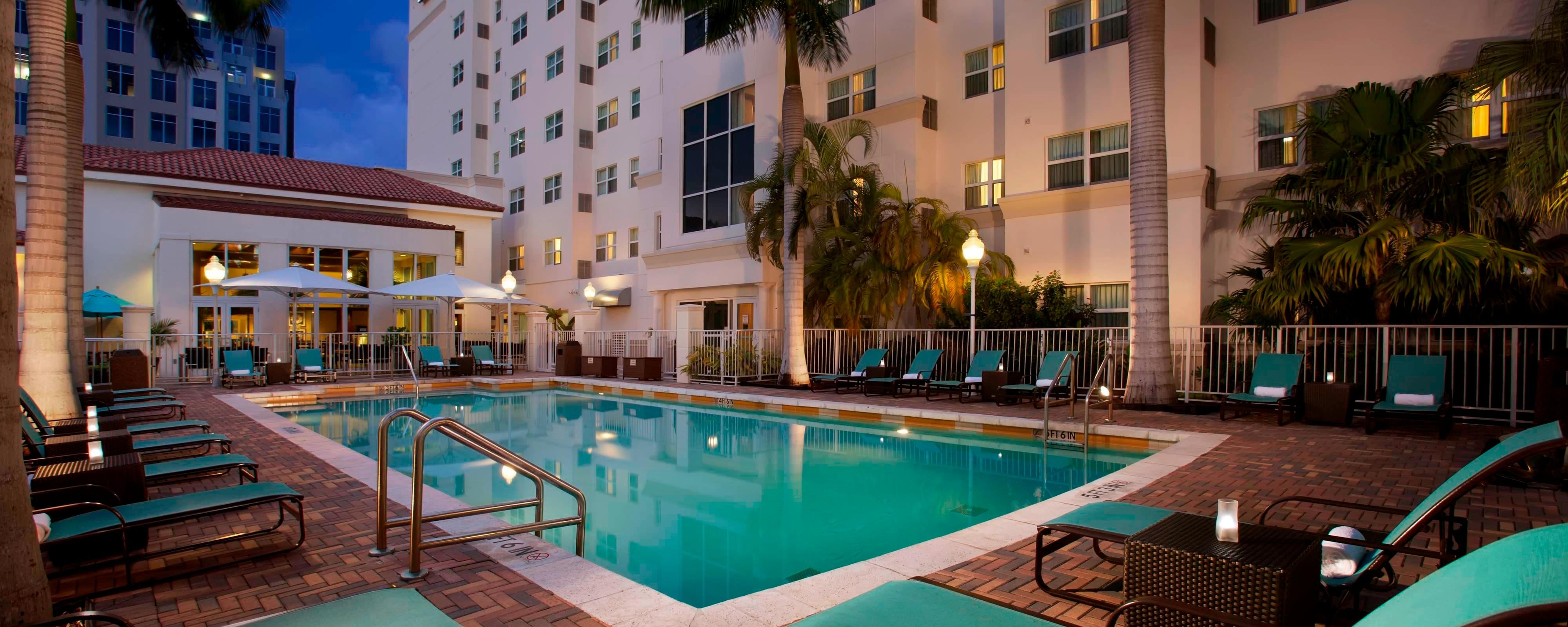 hotels in miami with kitchen cabinets louisville aventura extended stay residence inn mall hotel outdoor pool