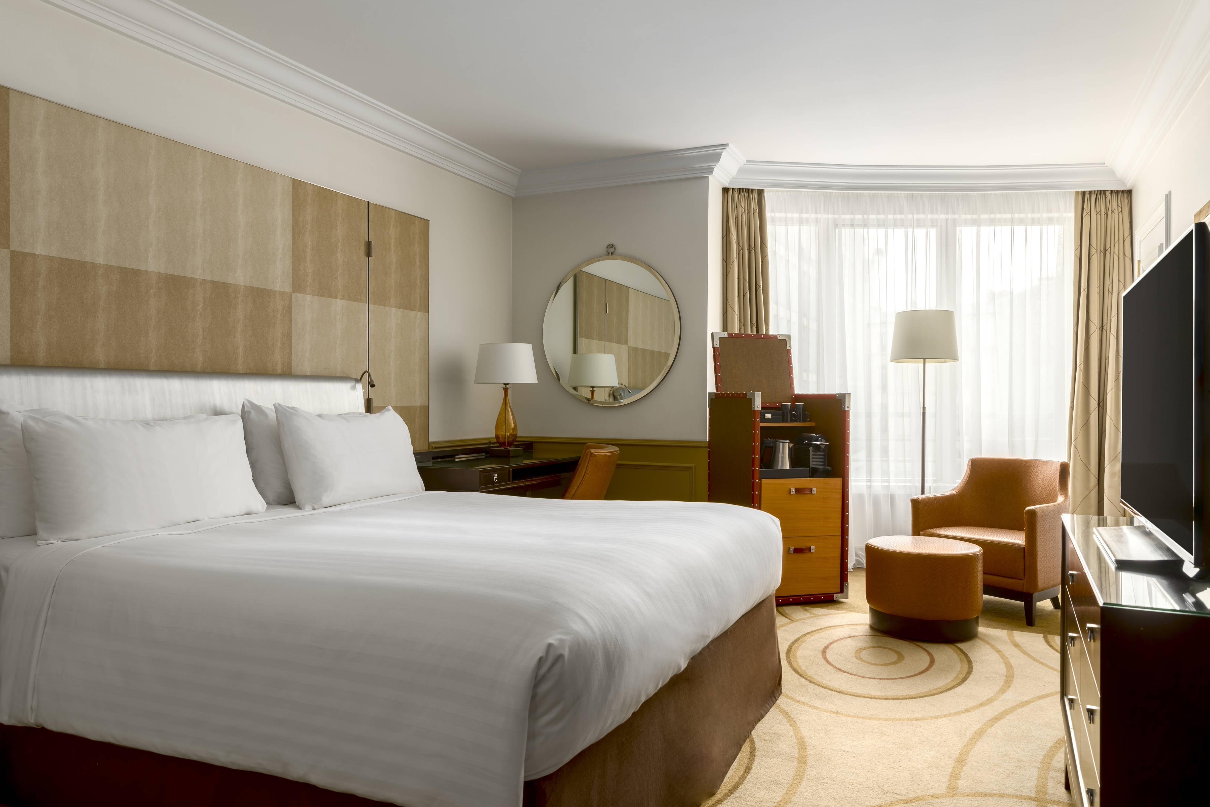Hotel In Paris France Marriott Champs Elysees