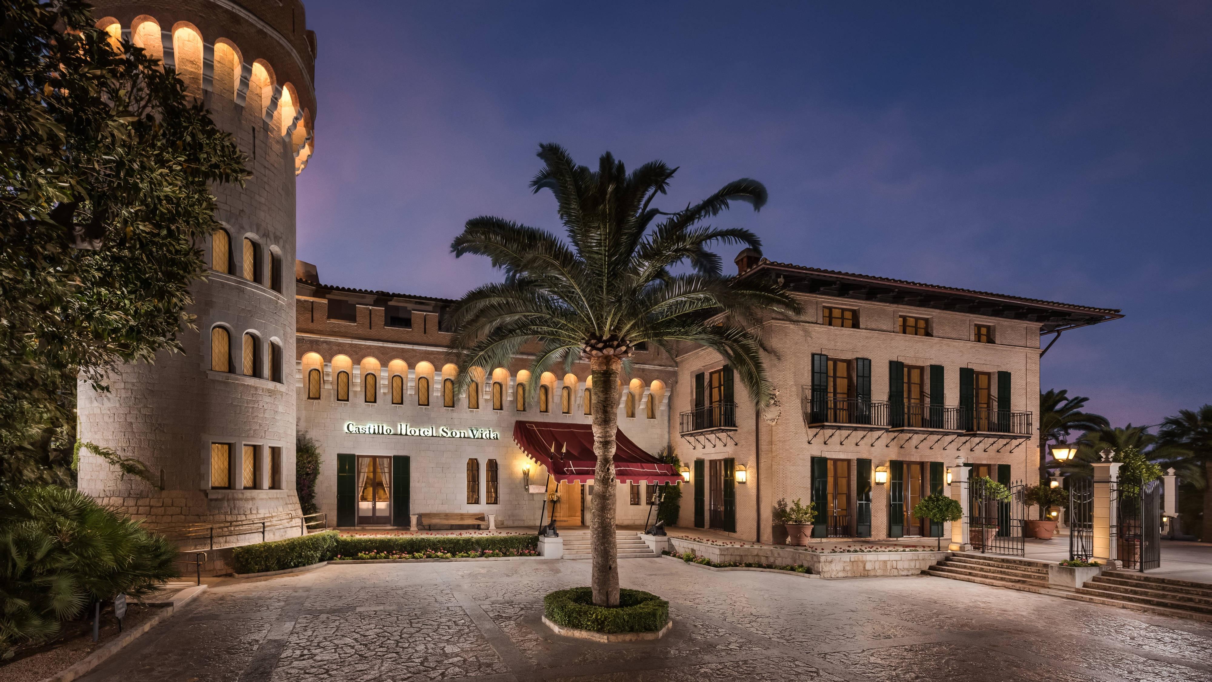 Luxury Hotels & Resorts In Palma De Mallorca Castillo