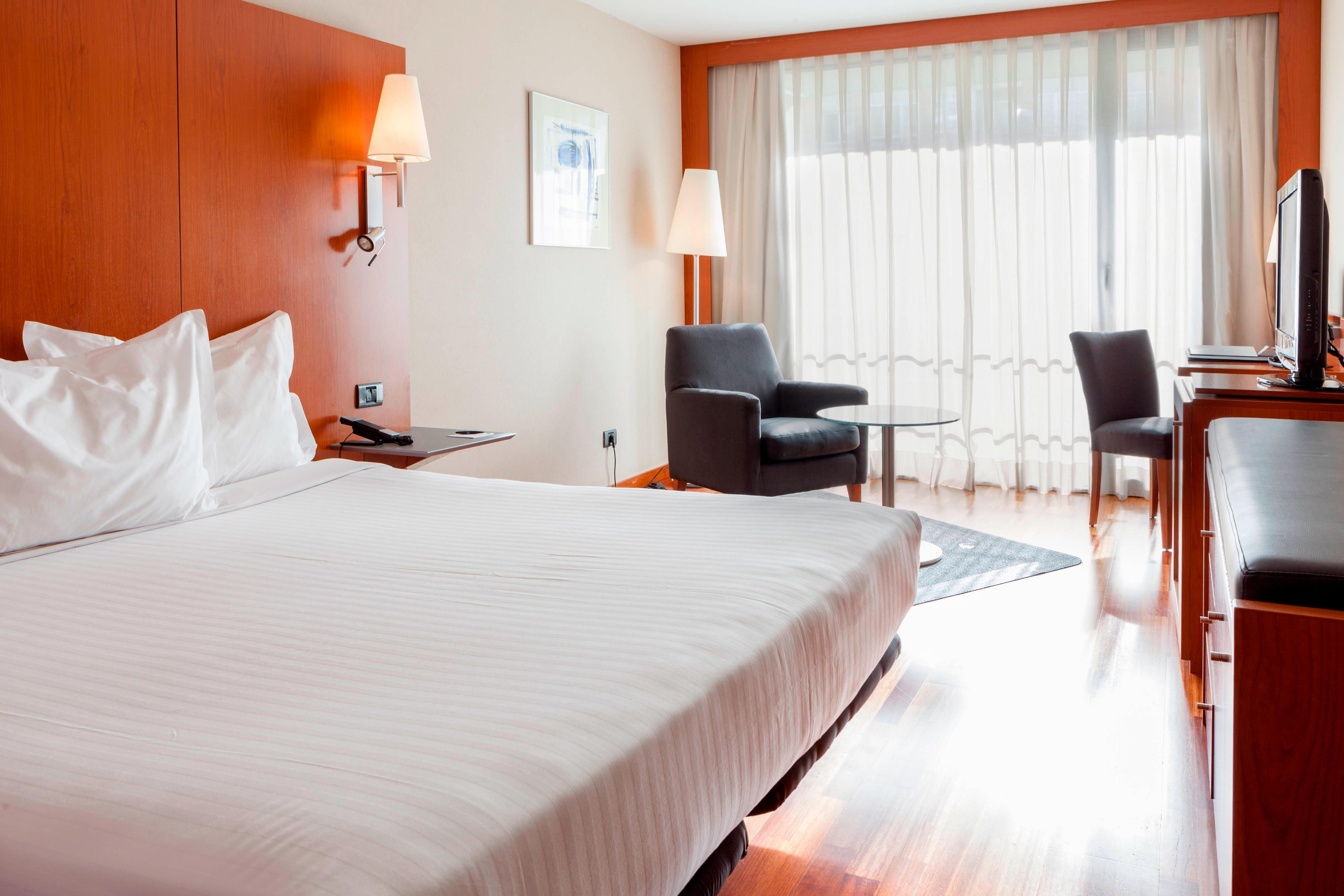 Guest Room Amenities At Ac La Rioja Hotels In Logrono Spain