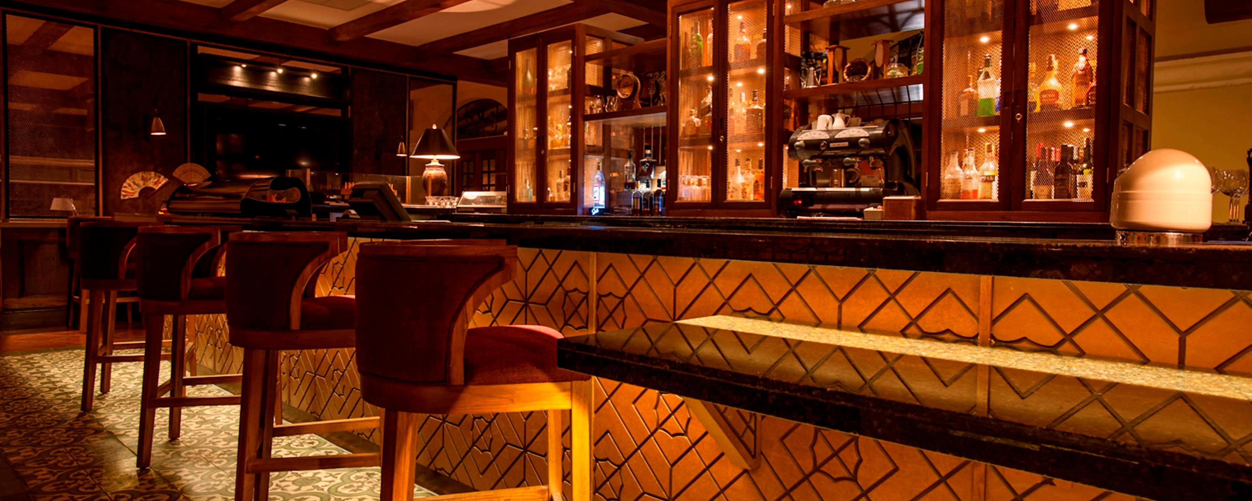 back bar sofa san jose ca road seat reviews costa rica restaurants in marriott