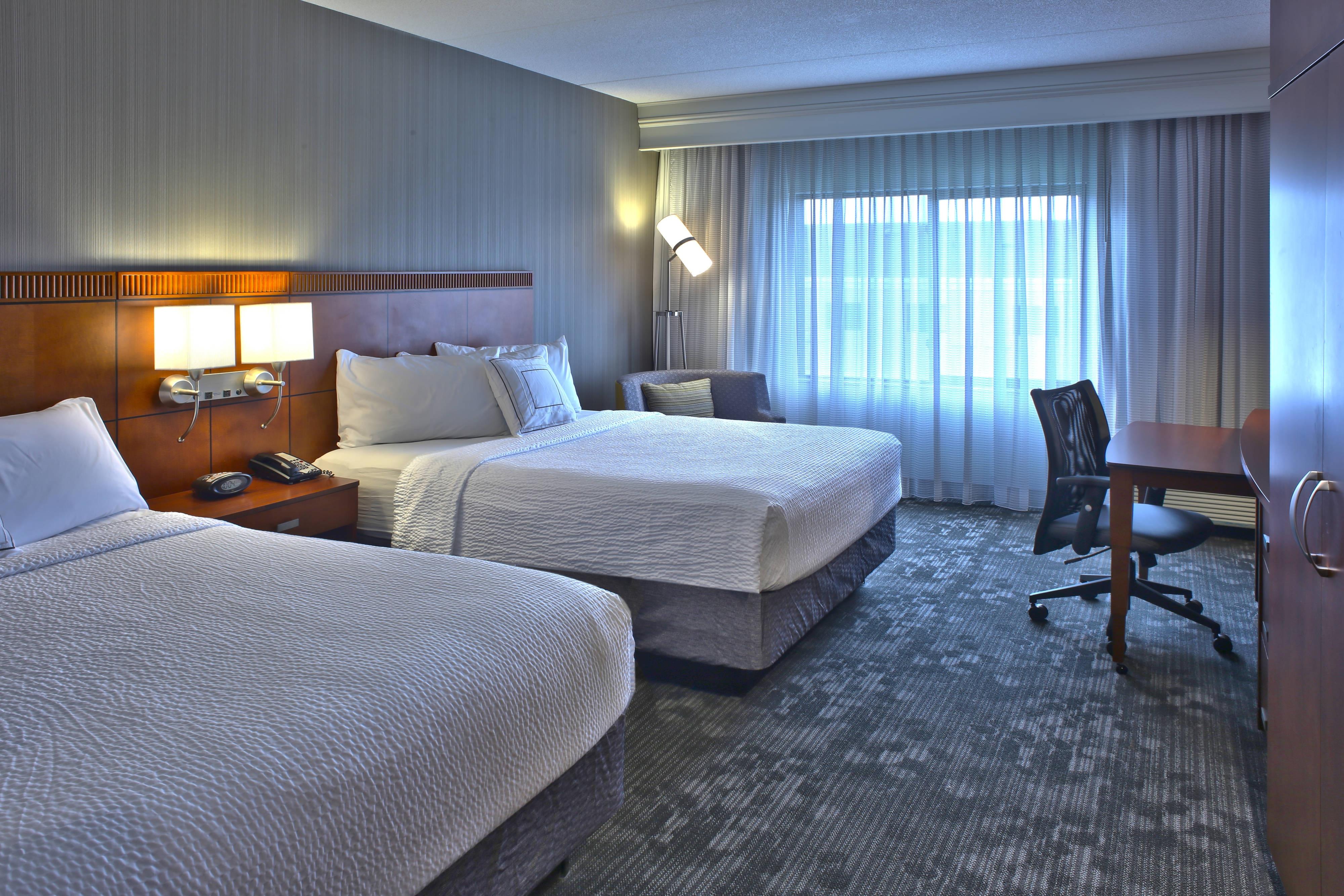 sofas hamilton ontario cindy crawford home bellingham vanilla sofa hotel hotels