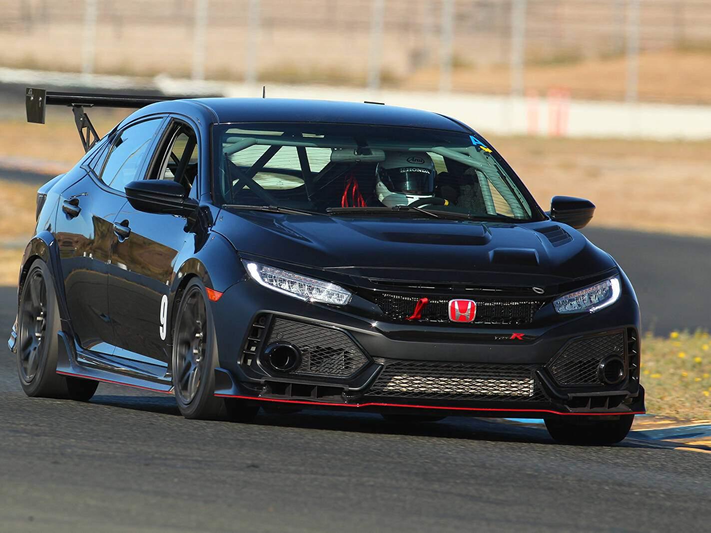 How does the ford focus sedan compare to the honda civic si sedan? Fiche technique Honda Civic Type-R TC (2019)