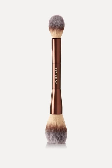 HOURGLASS VEIL POWDER BRUSH